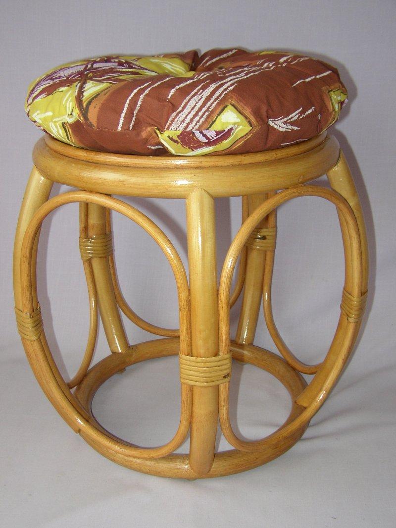 Ratanová taburetka široká medová s polstrem hnědý list