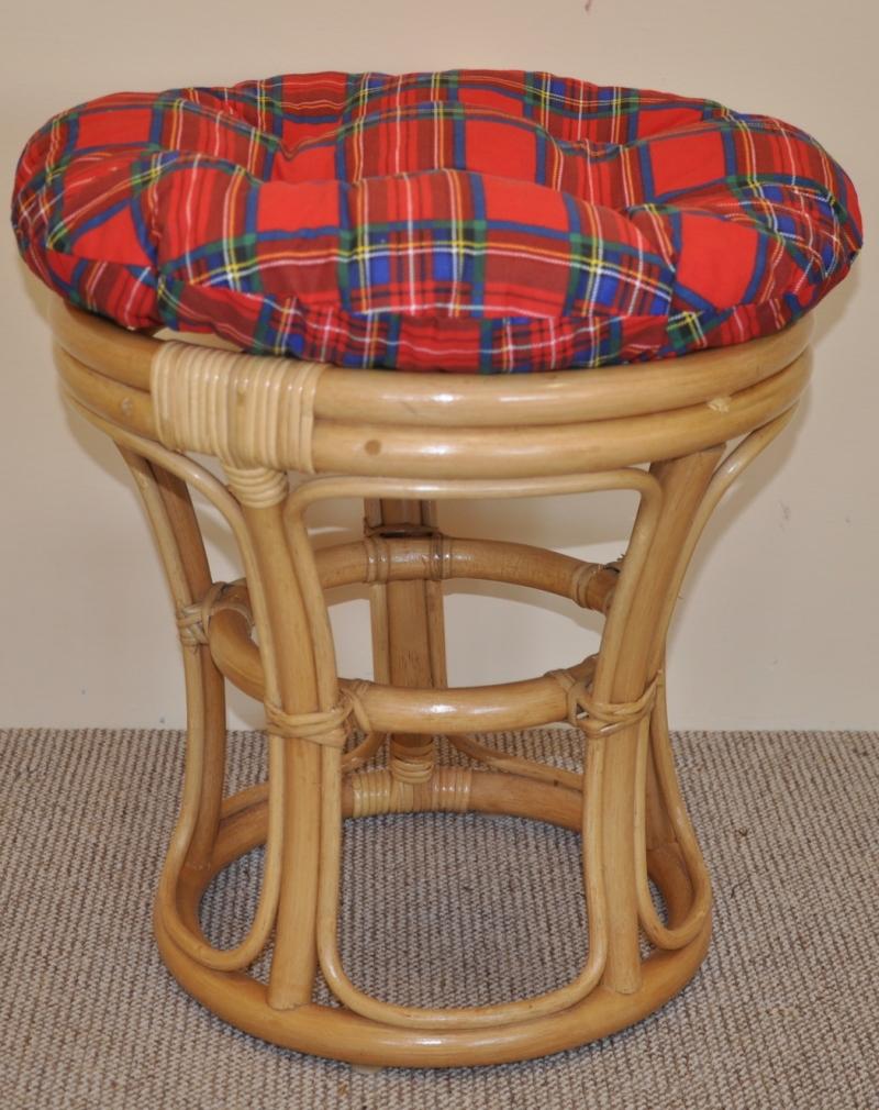 Ratanová taburetka úzká medová polstr červený