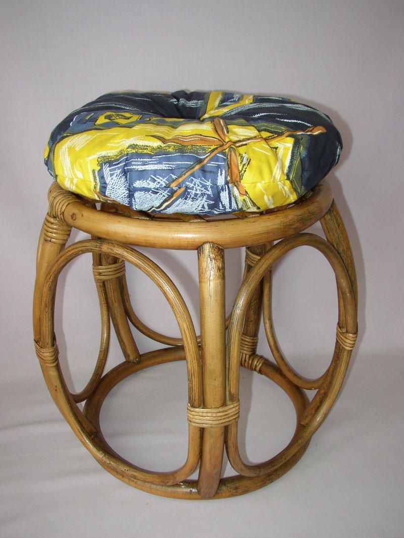 Ratanová taburetka brown wash široká polstr modrý list