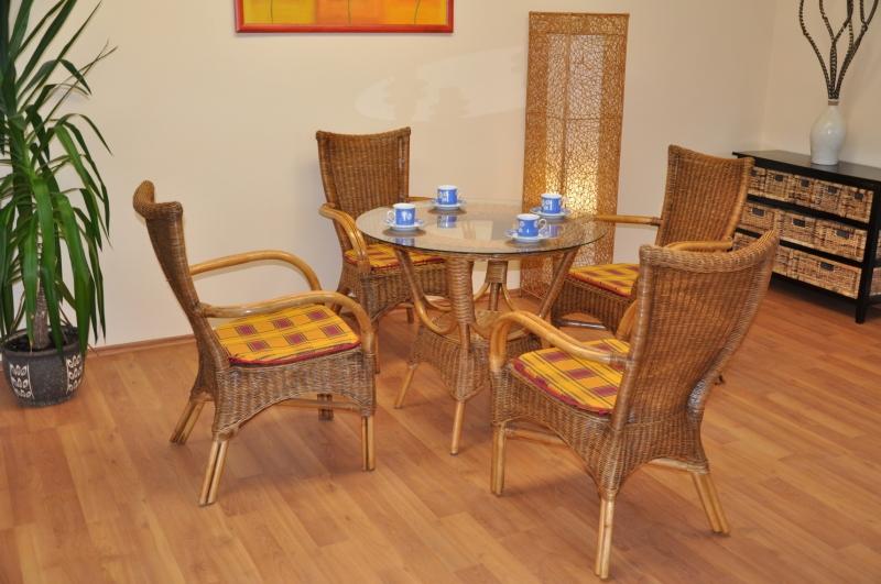 Ratanová jídelní souprava Phuket brown wash polstr okrový