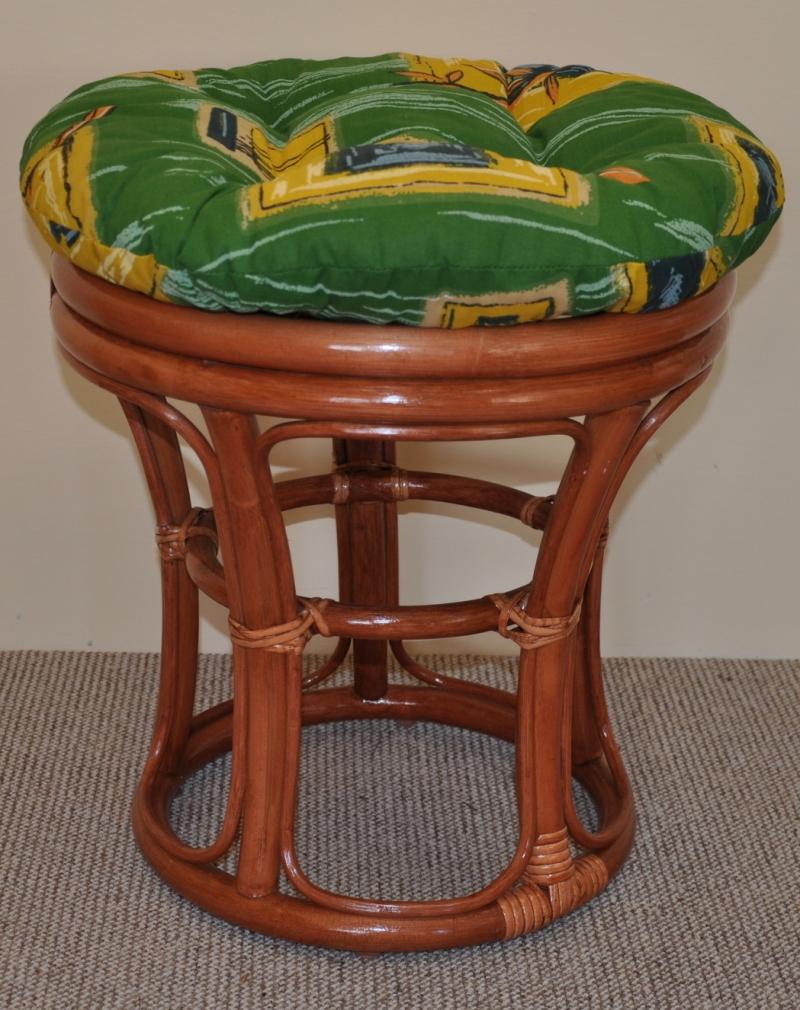 Ratanová taburetka koňak polstr zelený