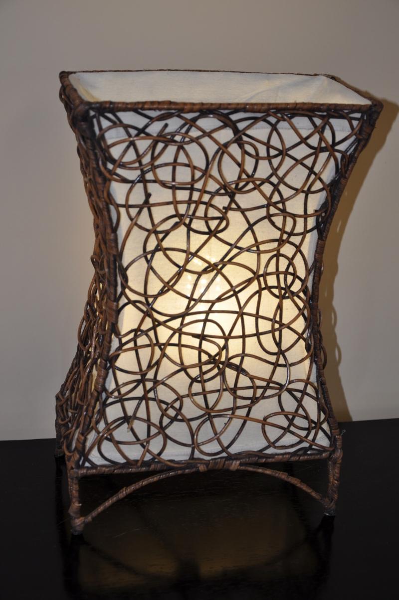 Lampa ratanová malá včetně LED žárovky