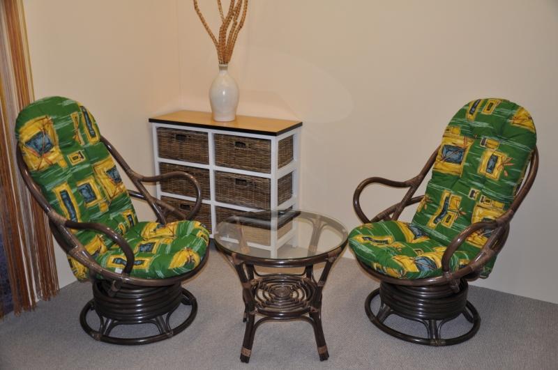Ratanová souprava Rock and roll + stolek hnědá polstry zelené