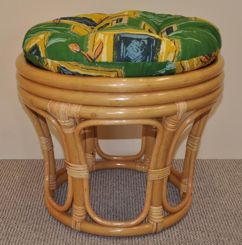 Ratanová taburetka velká medová polstr zelený