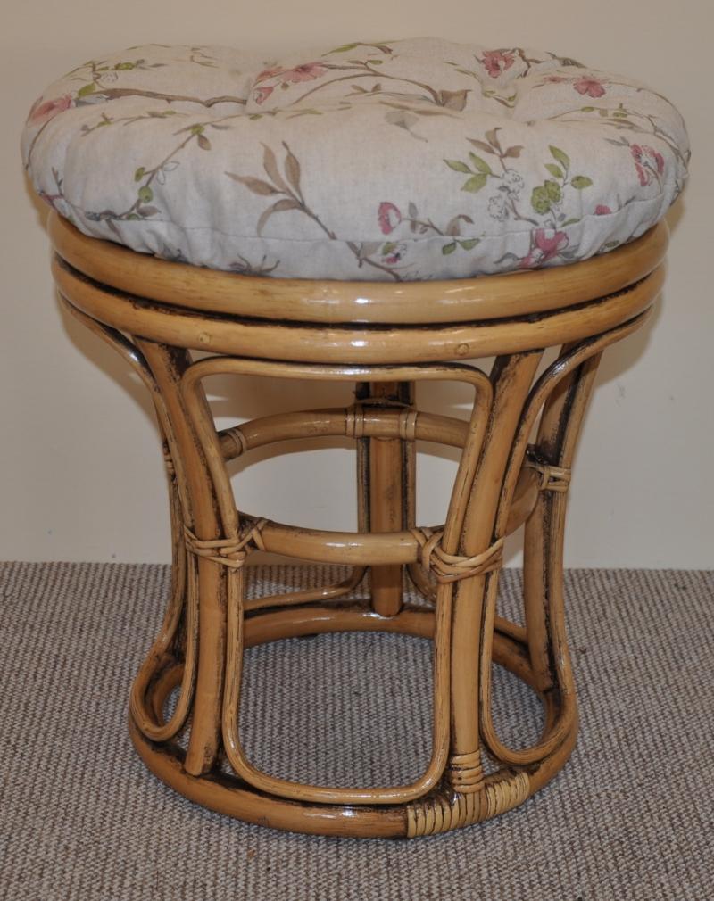 Ratanová taburetka brown wash polstr motiv květiny