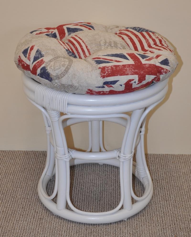 Ratanová taburetka bílá polstr motiv vlajky