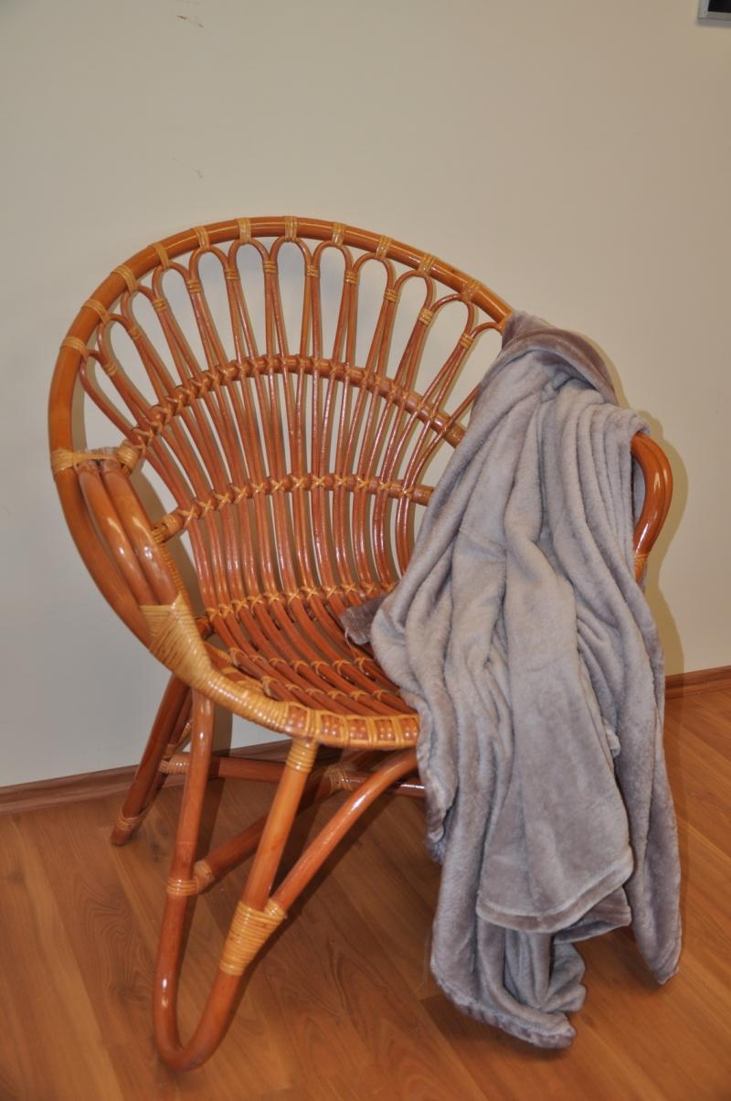 Ratanové křeslo Lentera koňak plus deka